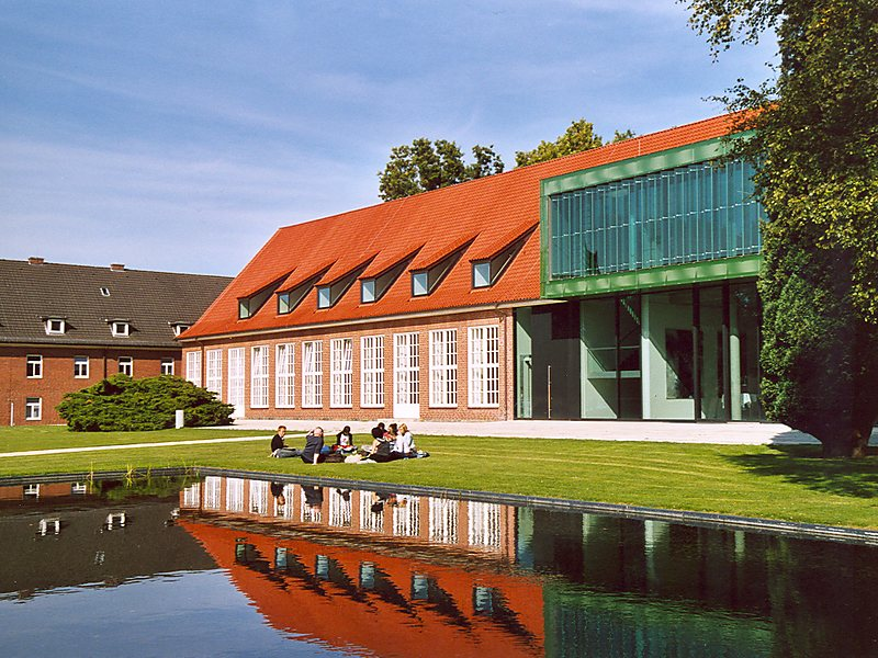 Presentation: Jacobs University, Bremen - Study programs and scholarship opportunities